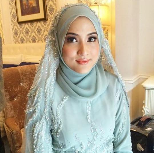 Image result for hanis zalikha kahwin