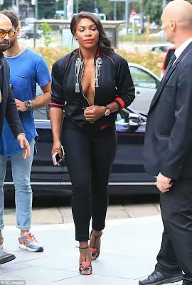 PHOTOS: Serena Williams Steps Out Braless