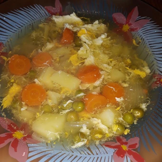 Pileca supa sa povrcem i jajima