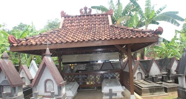 Natal 2020, Pieter Jansz dan Injil Bahasa Jawa Dimakamkan di Kayuapu Kudus