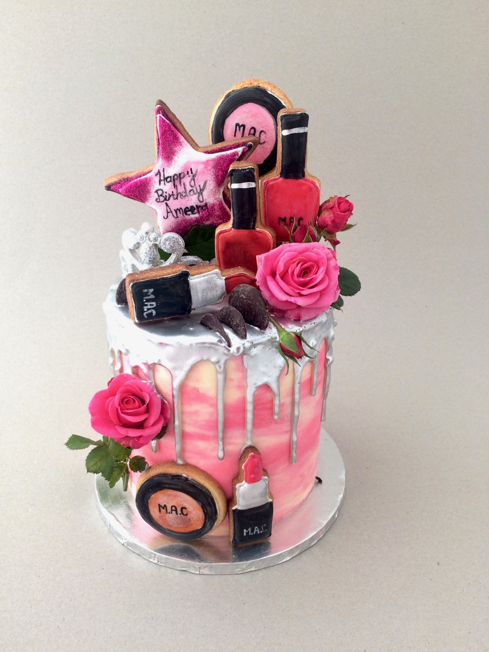 Rozannes Cakes Make Up Birthday Cake For Ameera