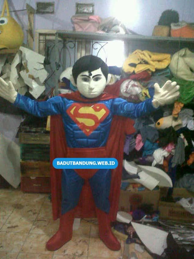 Badut Superman