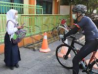 Senangnya Siswa SMPN 38 Semarang Ini Dapat Sepeda dari Ganjar