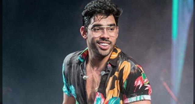 """Gabriel Diniz, da música """"Jenifer"""", morre em acidente de avião"""