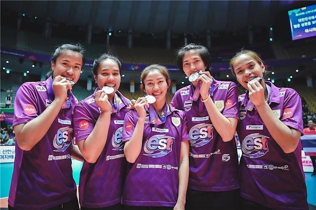 """""""Fab Five"""" - Tạo ra một di sản bóng chuyền Thái Lan"""