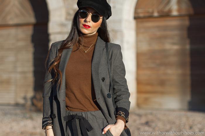Influencer Valencia Look urban chic estiloso casual ideas combinar traje con botines