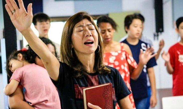 Cristianos en iglesia de Japón