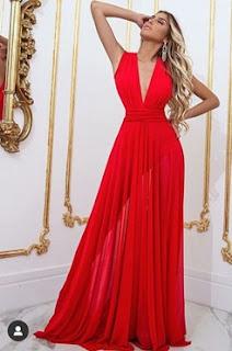 O vestido vermelho é um look que atrai muito e é  bastante elegante. Mais muitas pessoas não gostam do vermelho por ser uma cor ousada, o vermelho torna a mulher mais feminina. Veja alguns modelos de vestidos vermelho: