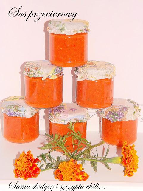 Sos przecierowy z cukini, papryki i pomidorów, do mięs i makaronów lekko słodki z nutką ostrości.