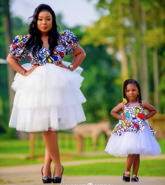 Beautiful collection of mother and daughter fashion dresses pics