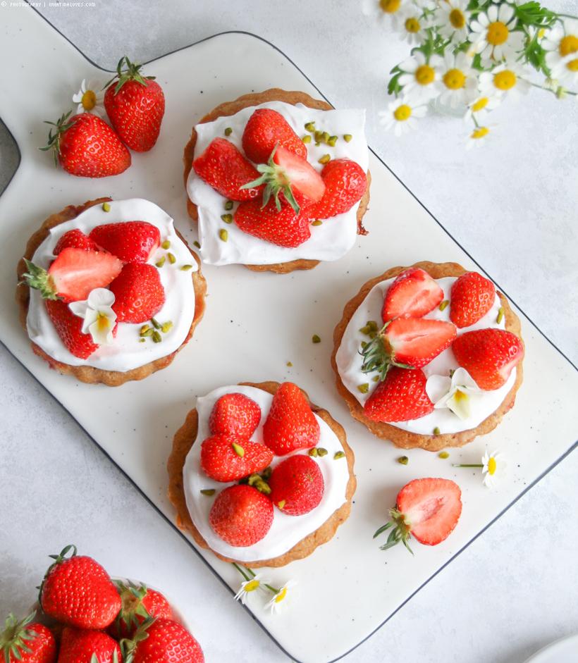 Mandel-Tartelette mit Erdbeeren