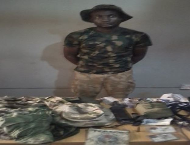 Armed Robber Who Operates In Army Uniform, Arrested In Ogun State - Photo