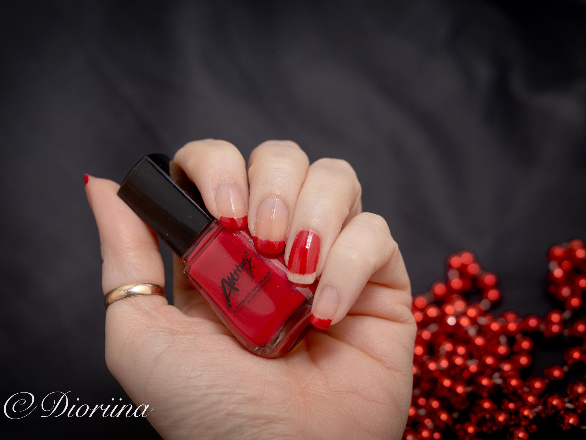 punainen kynsilakka on aina tyylikäs