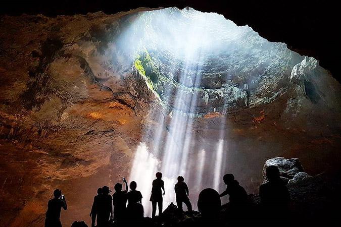 Dlium.com Jomblang Cave