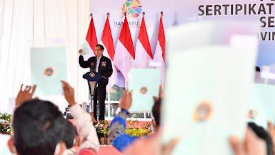 Presiden Serahkan 22.007 Sertifikat Tanah di Humbang Hasundutan