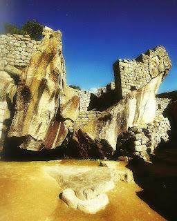 Bico e Templo do Condor, em Machu Picchu