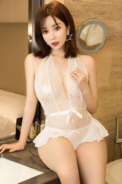 Hot and sexy big boobs photos of beautiful busty asian hottie chick Chinese booty model Xin Yao photo highlights on Pinays Finest sexy nude photo collection site.