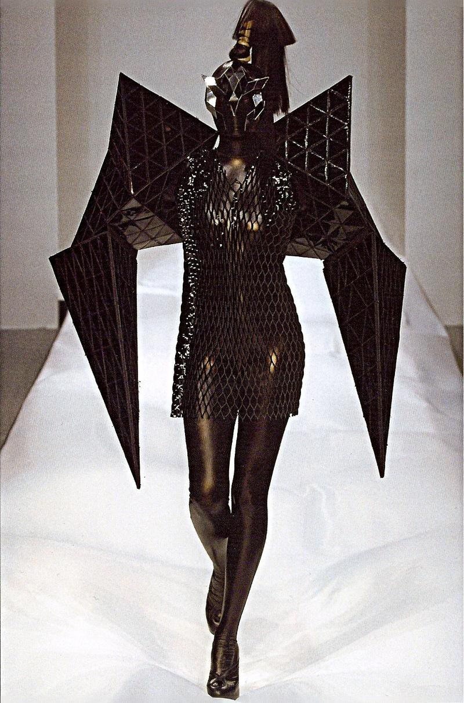 Avant Garde Designer: Avant Garde Holiday Ideas: Dark Avant-Garde Halloween Ideas