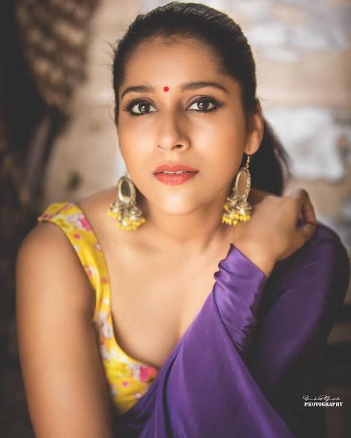 Beauty Galore HD : Anasuya Bharadwaj Hot Navel New Photos
