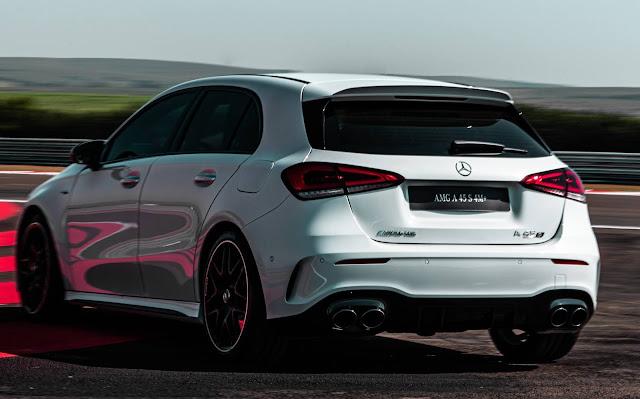 Mercedes-AMG A 45 S 4MATIC+ (R$ 434.000)e Mercedes-AMG CLA 45 S 4MATIC+ (R$ 458.900)
