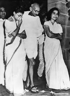 महात्मा गांधी के बारे में 32 रोचक तथ्य , 32 interesting facts about Mahatma Gandhi