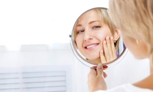 come sembrare più giovani con il make-up