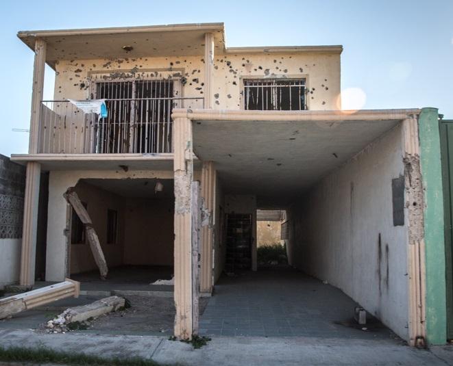 Nuevo Laredo; Marinos en Camionetas Civiles Cazan a Sicarios pero cometen confusiones