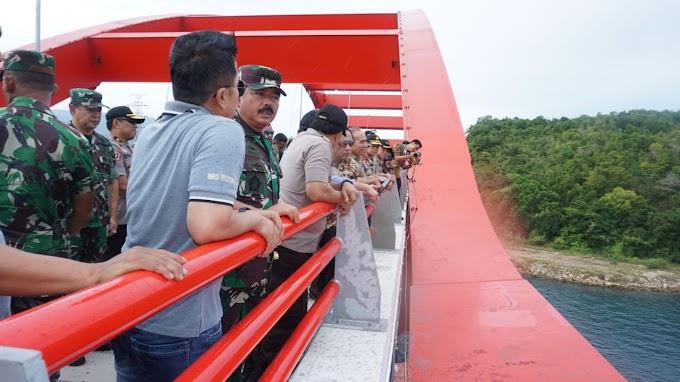 Panglima Tinjau Jembatan Holtekamp Yang Akan Diresmikan Presiden Jokowi