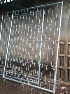 pintu swing tunggal pagar brc