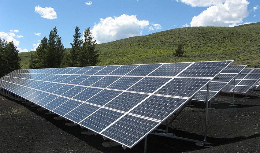 Solar Panel Buat Sinar Matahari Lebih Bermanfaat