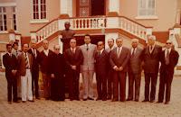 Membros do Conselho Curador em frente ao busto do Marechal Cyro do Espírito Santo Cardoso