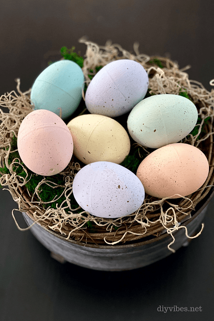How to make DIY speckled eggs for Easter. Transform regular plastic Easter eggs into beautiful, speckled ones. Perfect to add to any spring or Easter decor.