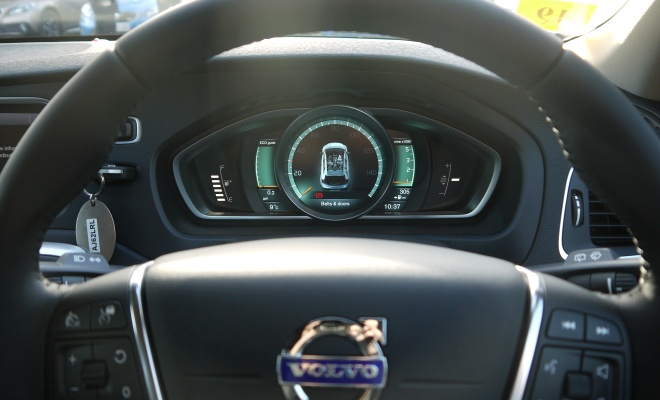 Volvo V40 Cross Country instruments