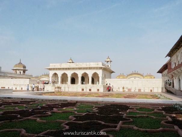 Istana agra di india