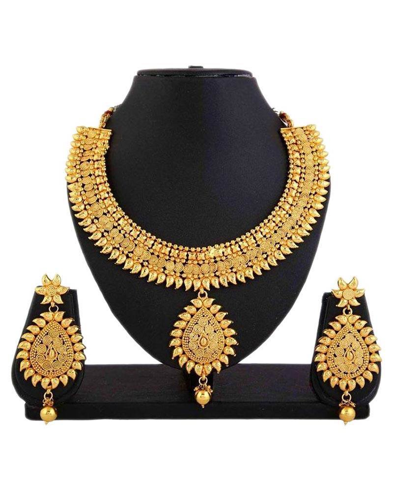 Indian Traditional Dresses And Ethnic Wear | Online Shopping ...