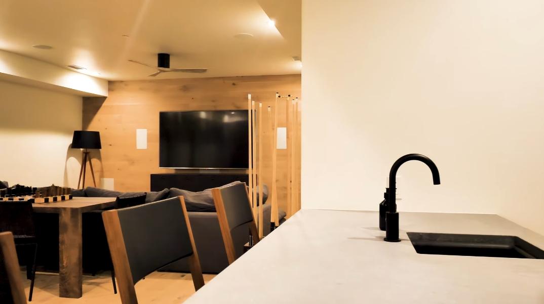 57 Interior Photos vs. 60 Maroon Ct, Aspen, CO Ultra Luxury Contemporary House Tour