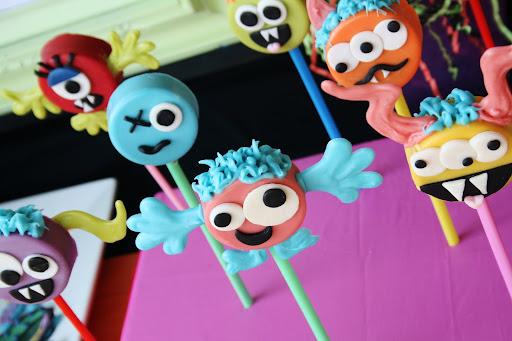 docinhos para festa com tema monstros