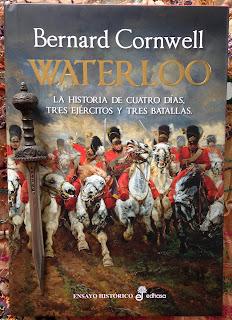 Portada del libro Waterloo, de Bernard Cornwell