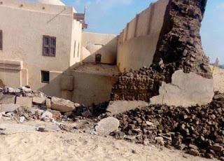 مقتل 3 أشخاص بانهيار جدار كنيسة قديمة في مصر