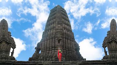 गोंदेश्वर मंदिर सिन्नर / मॉडेल - रागिणी कर्डीले - महाराष्ट्र भारत | Gondeshwar Temple Sinner / Model - Ragini Kardile - Maharashtra India