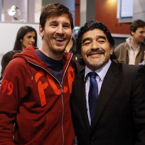 """""""La Pulga"""" y """"El Pelusa"""": Messi y Maradona."""