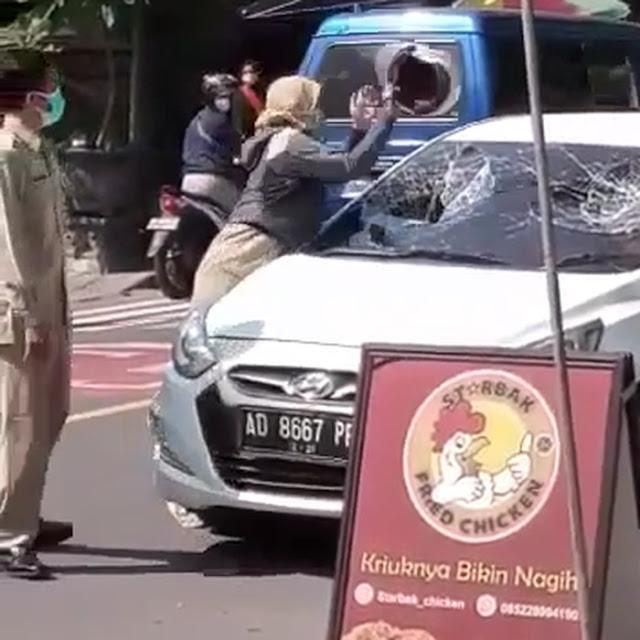 Perempuan yang Viral Ngamuk Pecah Kaca Mobil Dipastikan ASN Puskesmas di Ngawi