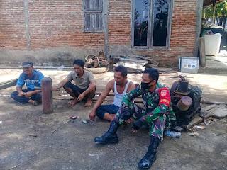 Babinsa Bandungharjo Manfaatkan Komsos Sisipkan Himbauan Pencegahan Covid-19