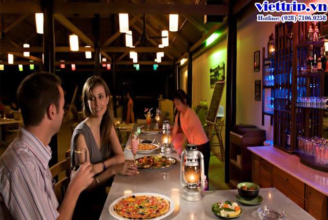 nhà hàng tại Sanctuary hồ tràm resort