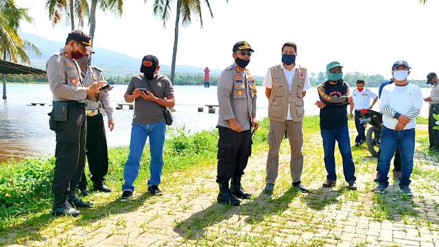 Waspada Banjir Rob, Kapolres dan Kadis PUPR Lotim Tinjau Pantai Labuhan Lombok