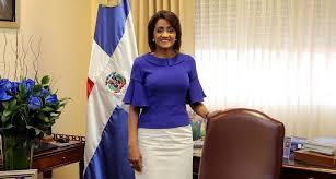 Cándida Montilla de Medina felicita a los padres y exalta su condición de referente moral y social para hijos e hijas