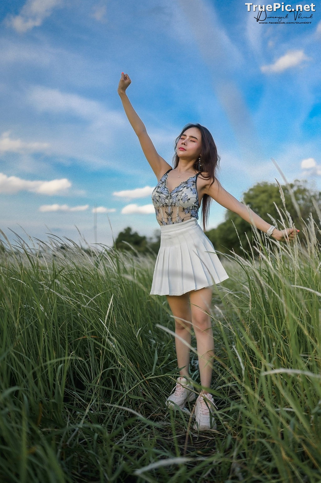 Image Thailand Model - Anusara Thaweesuk - Wild Grass Field - TruePic.net - Picture-10
