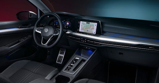 vw-golf-8-alltrack-interior-front-seats-screen-and-steering-wheel