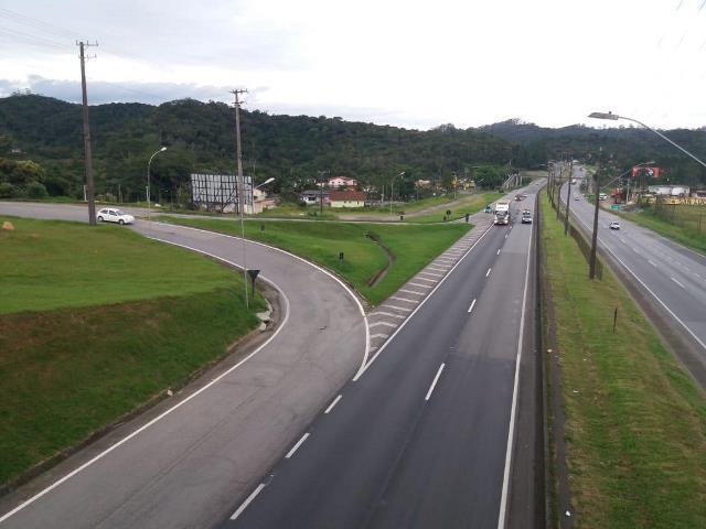 Concessionária irá realizar serviços no pavimento em retorno no município de Juquitiba