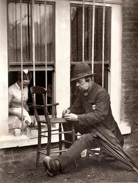 Fotografías de la vida en las calles de Londres en 1887